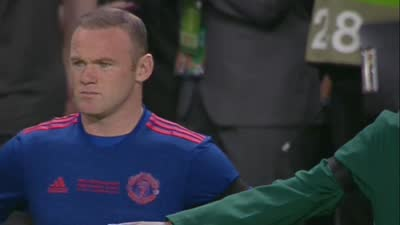 队长来了!鲁尼替补登场 红魔球迷掌声致敬