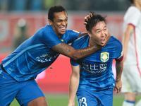 中超-苏宁2-0申花登榜首 最后10分钟任航两球