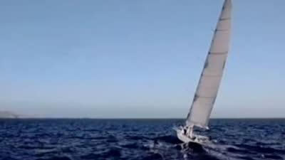 航行少年遭遇台风危机 第一准则认清自身渺小