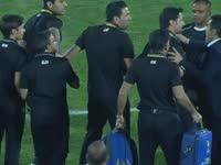 【首轮极速100秒】 阿联酋逆转扎哈迪球场险爆冲突