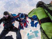 花样跳伞空中自由变换队形
