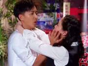 韩庚面试秀舞技遭嫌弃 挑剔学姐趁机吃豆腐-今夜百乐门1022
