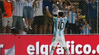 世预赛-梅西2传1射天使破门 阿根廷3-0哥伦比亚