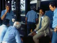 《O.J:美国制造》第一集:辛普森的职业生涯有多牛X
