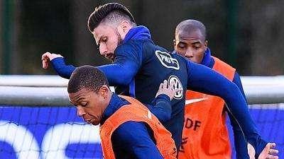 法国队备战西班牙友谊赛 训练火力十足成进球大战