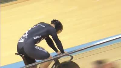 男子团体竞速赛决赛 荷兰队再失误新西兰队终夺冠
