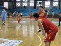 男篮热身刘志轩三分4投全中 邹雨宸外线远投找状态