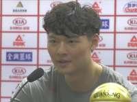 王哲林:比赛赢的很惊险 感谢李指导的帮助