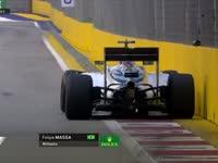 签名留念!F1新加坡站FP3:马萨温柔亲上护墙