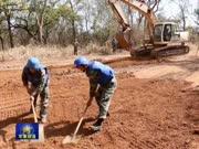 南苏丹:中国维和工兵完成救援补给线道路紧急抢修