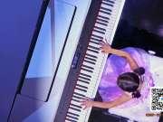 5岁中国钢琴神童走红美国 主持人和翻译都被逼疯