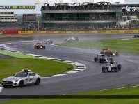 正式开跑!F1英国站正赛:霍肯伯格报告赛道积水