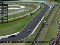 交通堵塞 F1匈牙利站正赛:汉密尔顿陷入慢车群