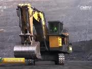 中国造出世界最大挖掘机,全球仅4名司机能操作,重400吨!