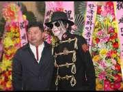 王杰克逊受邀出席韩国娱乐盛典,受到广泛关注