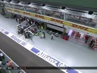 F1新加坡站正赛:罗斯伯格进站右前胎换慢啦