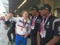 F1阿布扎比站正赛 米卡哈基宁来到围场