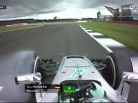 F1英国站FP1 罗斯伯格严重锁死