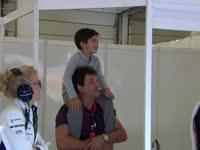 瓦来看粑粑比赛辣!F1英国站排位赛:小肥缺来到现场