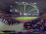 足球赛场感受球迷热情