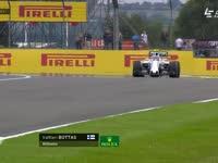 摇一摇?F1英国站FP1 博塔斯出弯救车回放