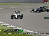 F1英国站正赛:阿隆索轻松超越博塔斯
