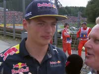 F1比利时站车手巡游:维斯塔潘迷叔放橙色烟雾弹