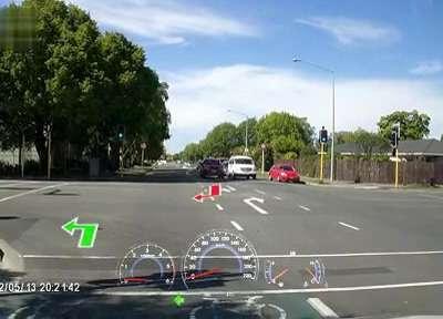 十字路口红绿灯左转