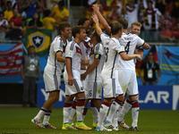 德国4-0葡萄牙 穆勒3球德国百场大胜
