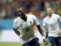 西索科小角度推射破门 法国队5-0领先瑞士