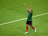 埃尔南德斯头球破网 墨西哥3球在手杀死比赛