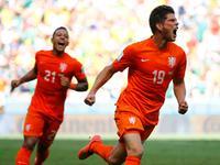 罗本造点亨特拉尔罚入 荷兰2-1完成逆转绝杀