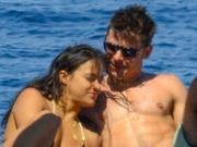 新情侣预警:扎克-埃夫隆与米歇尔海上亲吻
