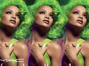 蕾哈娜新造型曝光 天后都爱绿头发