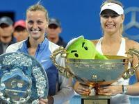 中网-莎娃苦战三盘击科娃 首夺中网冠军摘赛季第四冠