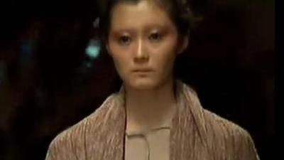 衣服承载着设计师的理念 中国国际时装周秋冬发布