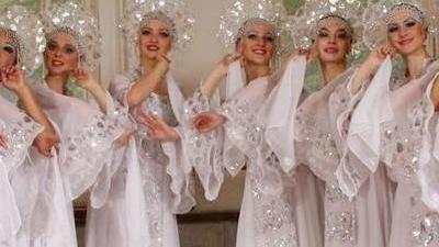 俯瞰哈萨克斯坦陕西村 婚宴丰盛古蕴十足
