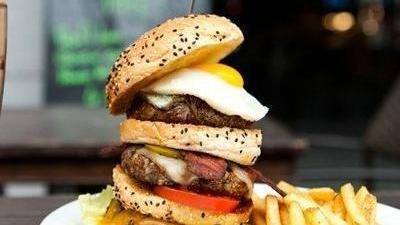 美式牛油果汉堡 美女老板娘再展厨艺