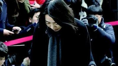 赵显娥事件继续酝酿升级 毒枭驾豪车闯关被击毙