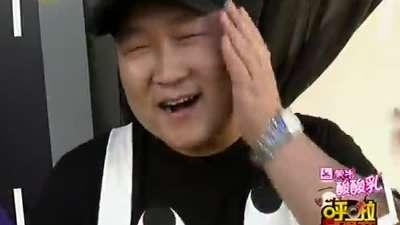 杨幂关注《中国最强音》有意约片尹熙水