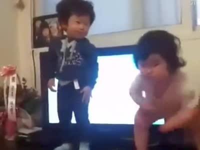 韩国小胖子的可爱舞蹈