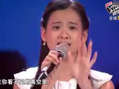 杨坤表情帝恶搞《小苹果》mv:看到美女色眯眯