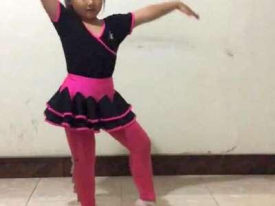 小苹果幼儿舞蹈 在线观看