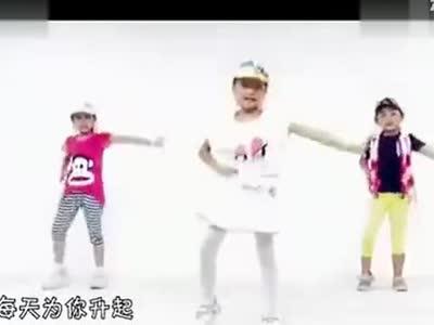 《小苹果》儿童舞蹈 在线观看
