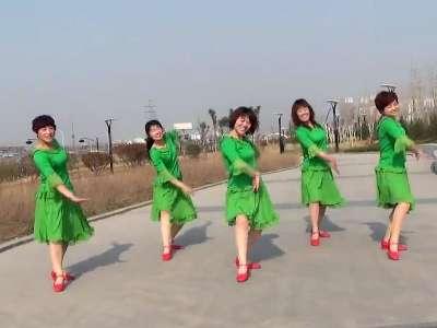广场舞:小美人 在线观看