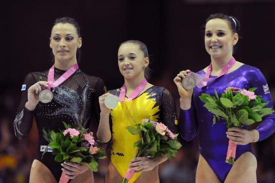 罗马尼亚体操队_坚持出战全国锦标赛,争夺罗马尼亚女子体操队唯一一个里约奥运名额.