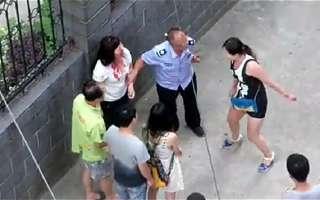 国外女子打架视频_女子打架_女子游泳打架_绵阳女子打架_女孩互打架_泡泡安卓网